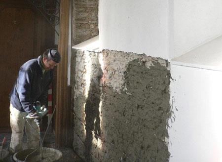 Sanierputzsystem MineralSanoPro schützt historische Piuskapelle.